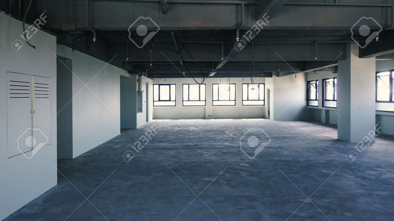 Bankrupt Office. Workplace without desk and people. Business office is closed. bankrupt business due to the effect of Coronavirus or COVID-19 pandemic. No rental office space. Empty and abandoned. - 169136776