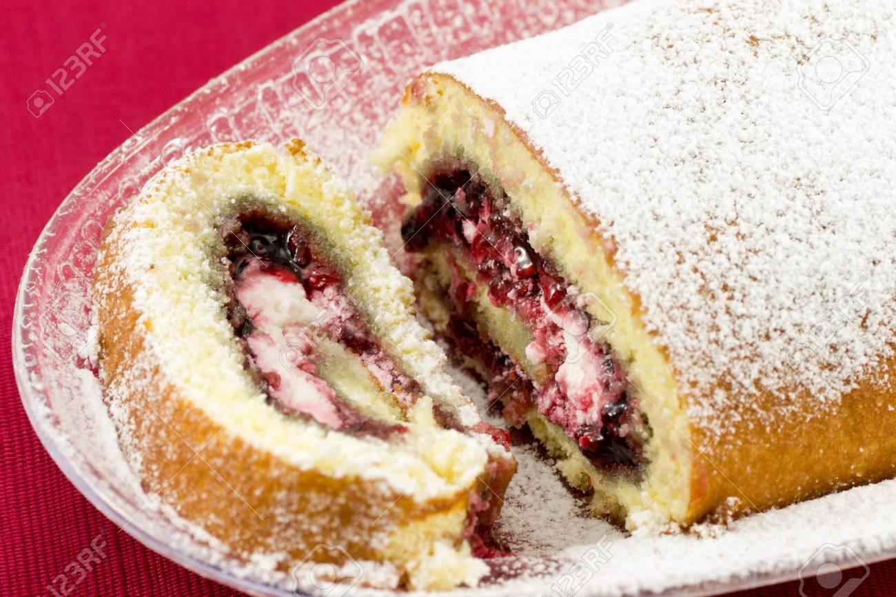 Swivel with jam and cream - 12713674