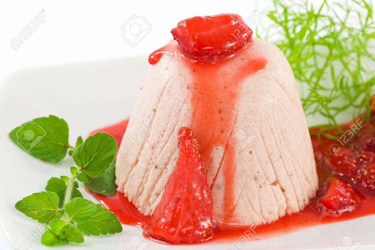 Strawberry Bavarian, mousse - 14001724