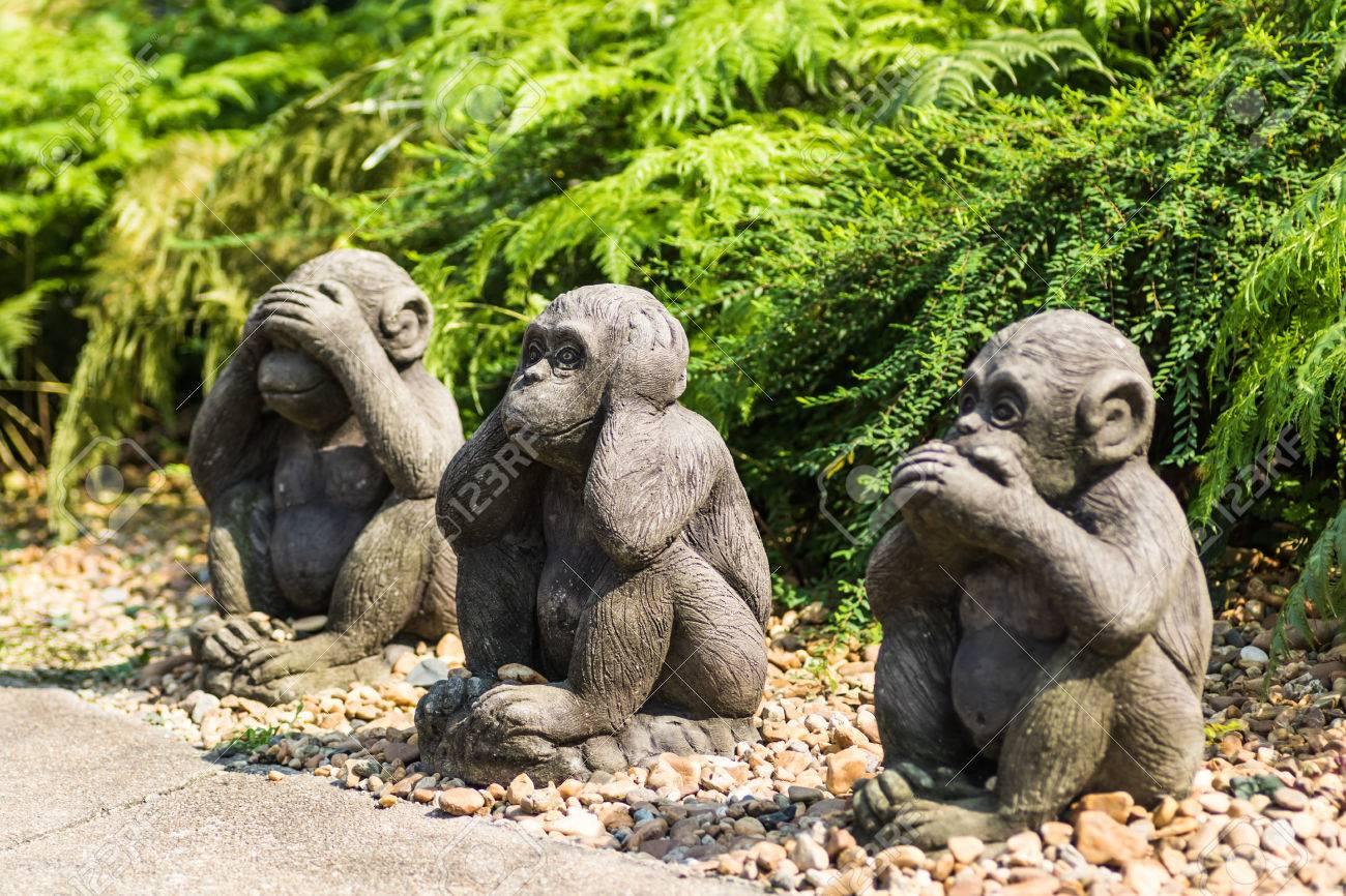 Affe Statuen Sitzen, Schließen Sie Die Augen, Mund, Ohren ...