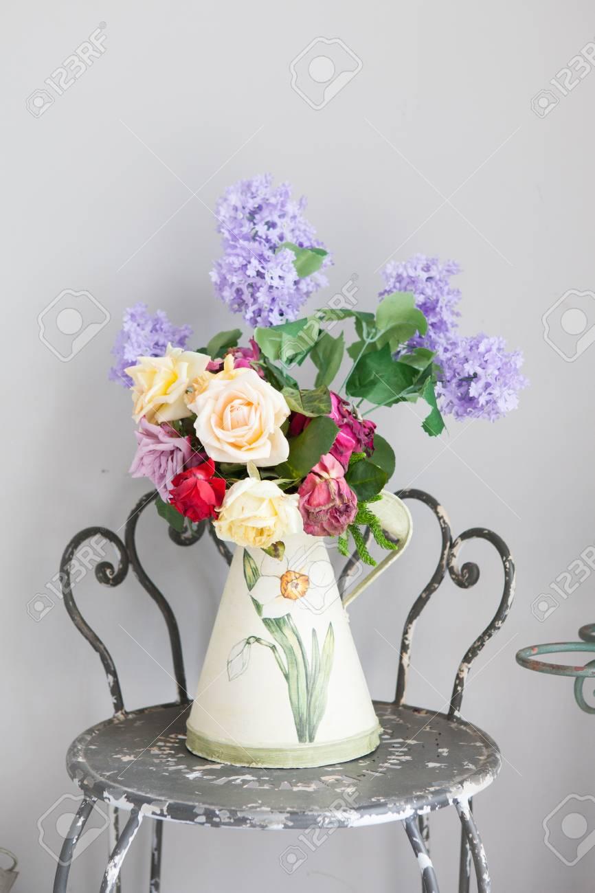 vase of flower Stock Photo - 21123923