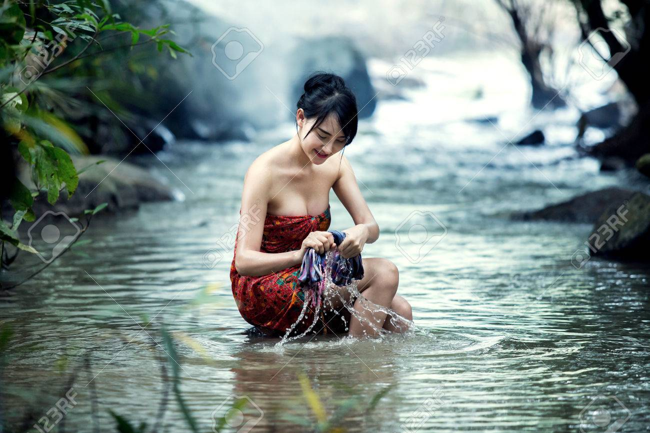 saxtons river asian girl personals 90 river st 229-4941 1800-639  this modern world edie everette iona fox red meat jen sorensen harry bliss rachel lives here now free will astrology personals.