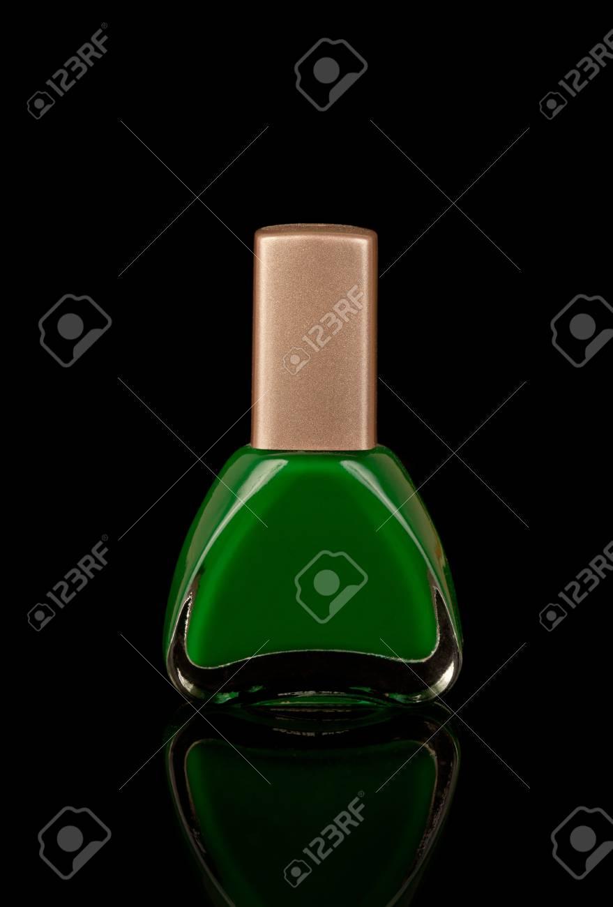 Esmalte De Uñas Verde Fotos, Retratos, Imágenes Y Fotografía De ...