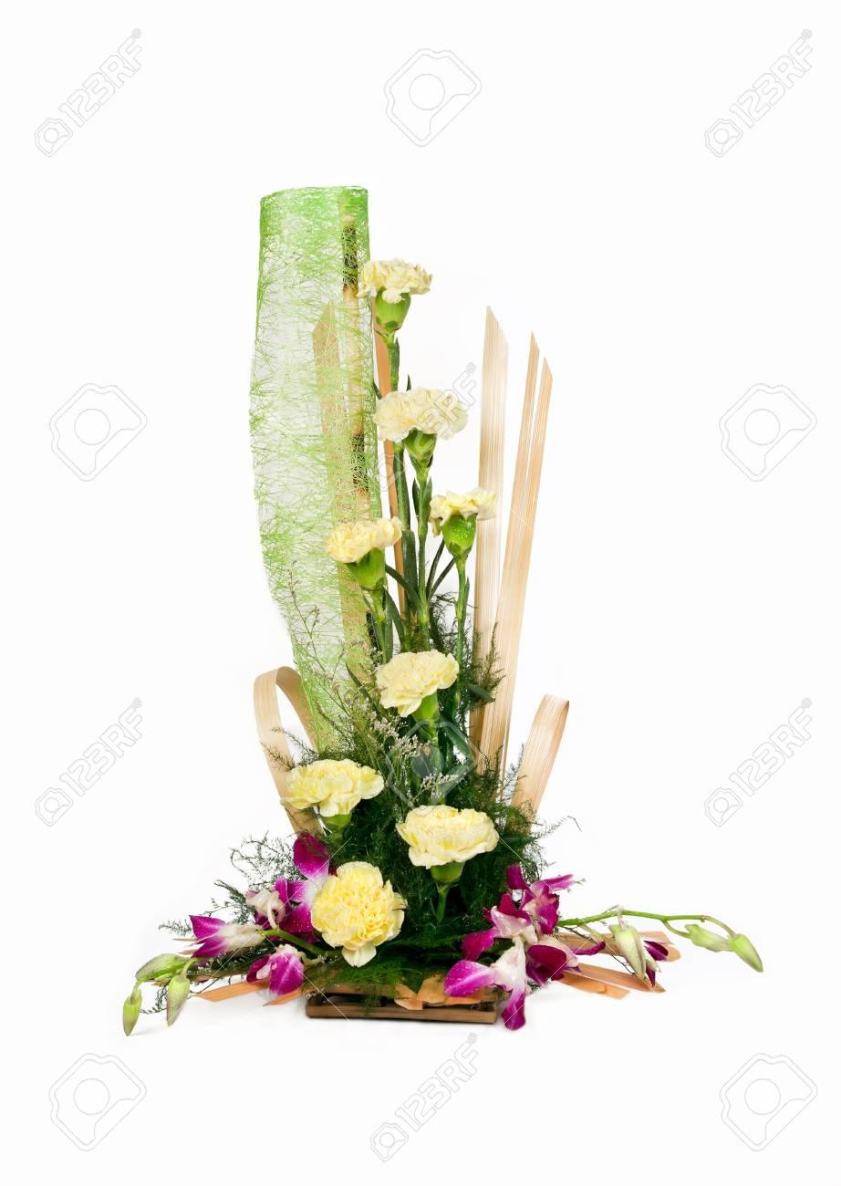 Super Beautiful Bouquet De Rose Blanche Fleur Isolée Sur Fond Blanc &LS_86