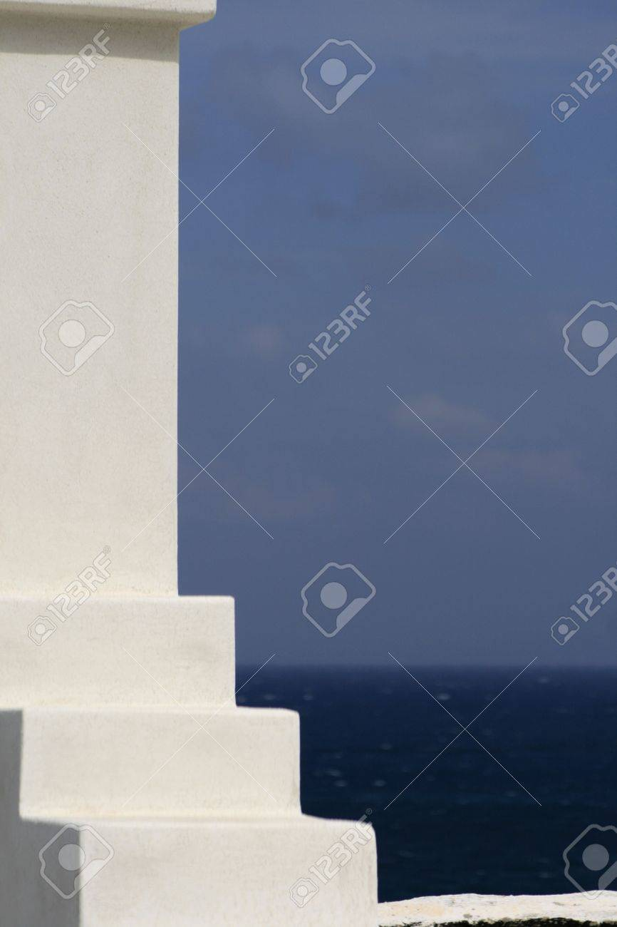 Traditional greek architectural lines and colors. Stock Photo - 2958270