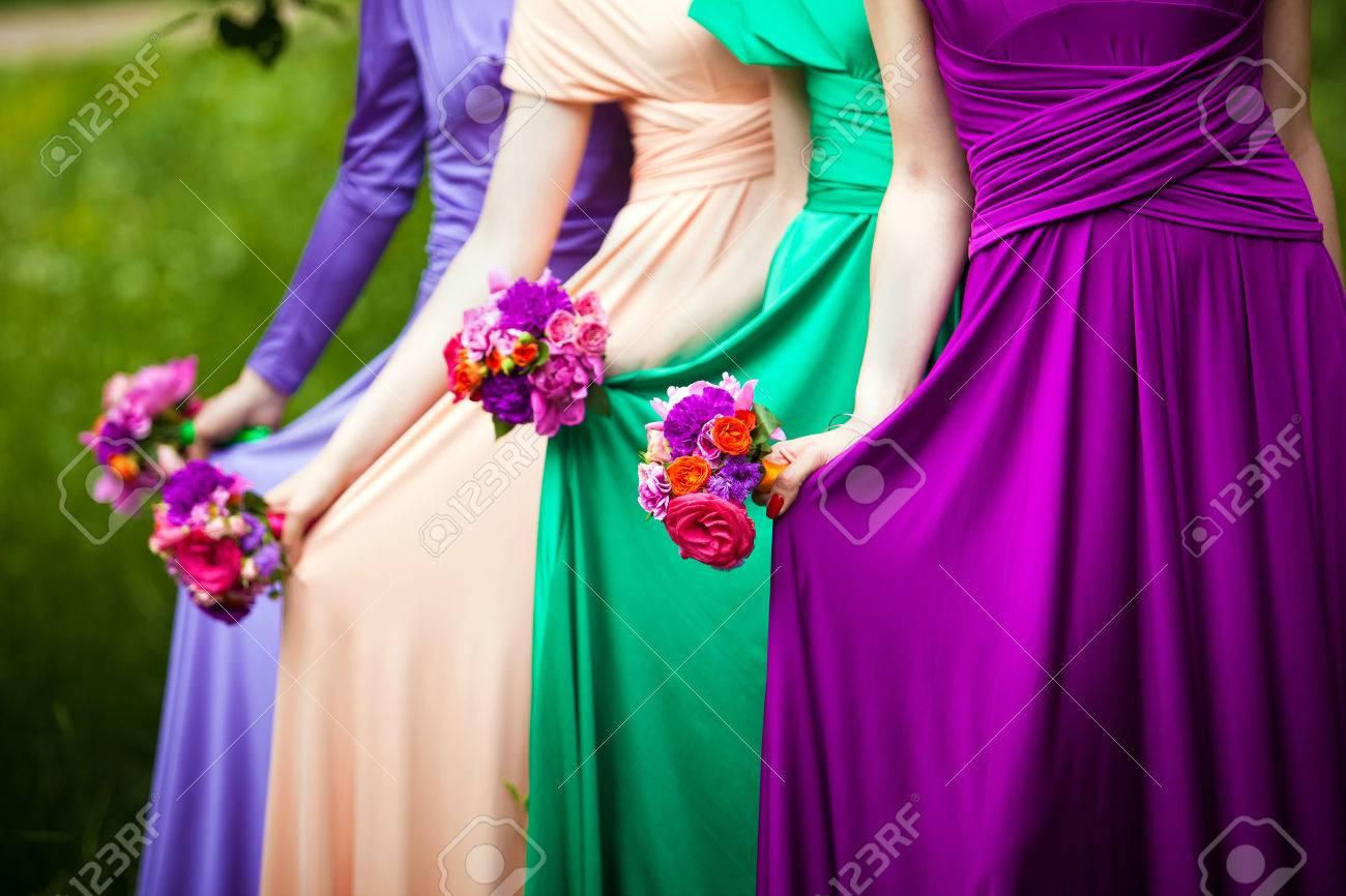 Increíble Damas De Honor Vestido Floral Inspiración - Vestido de ...