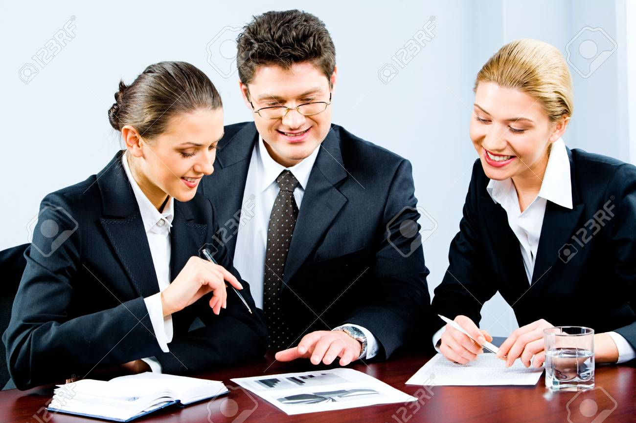 Portrait of business people discussing a new plan and brainstorming Stock Photo - 2576344