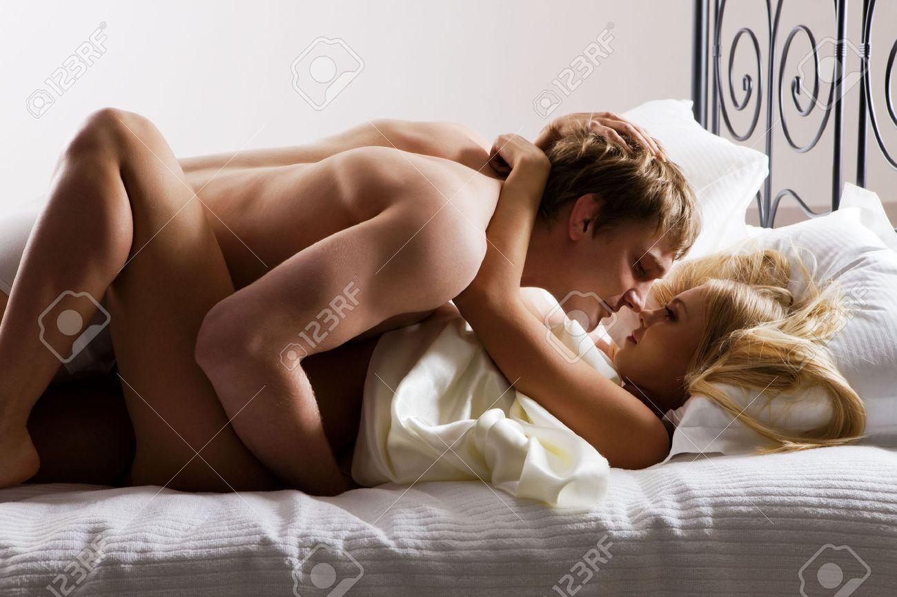 Як насілуть жінок домашне відео муж іжена 1 фотография
