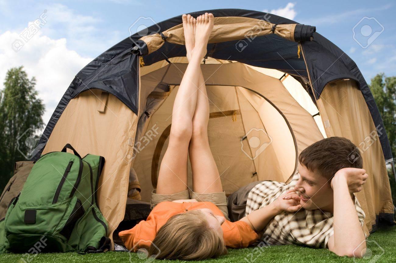 Студенты в палатке 15 фотография