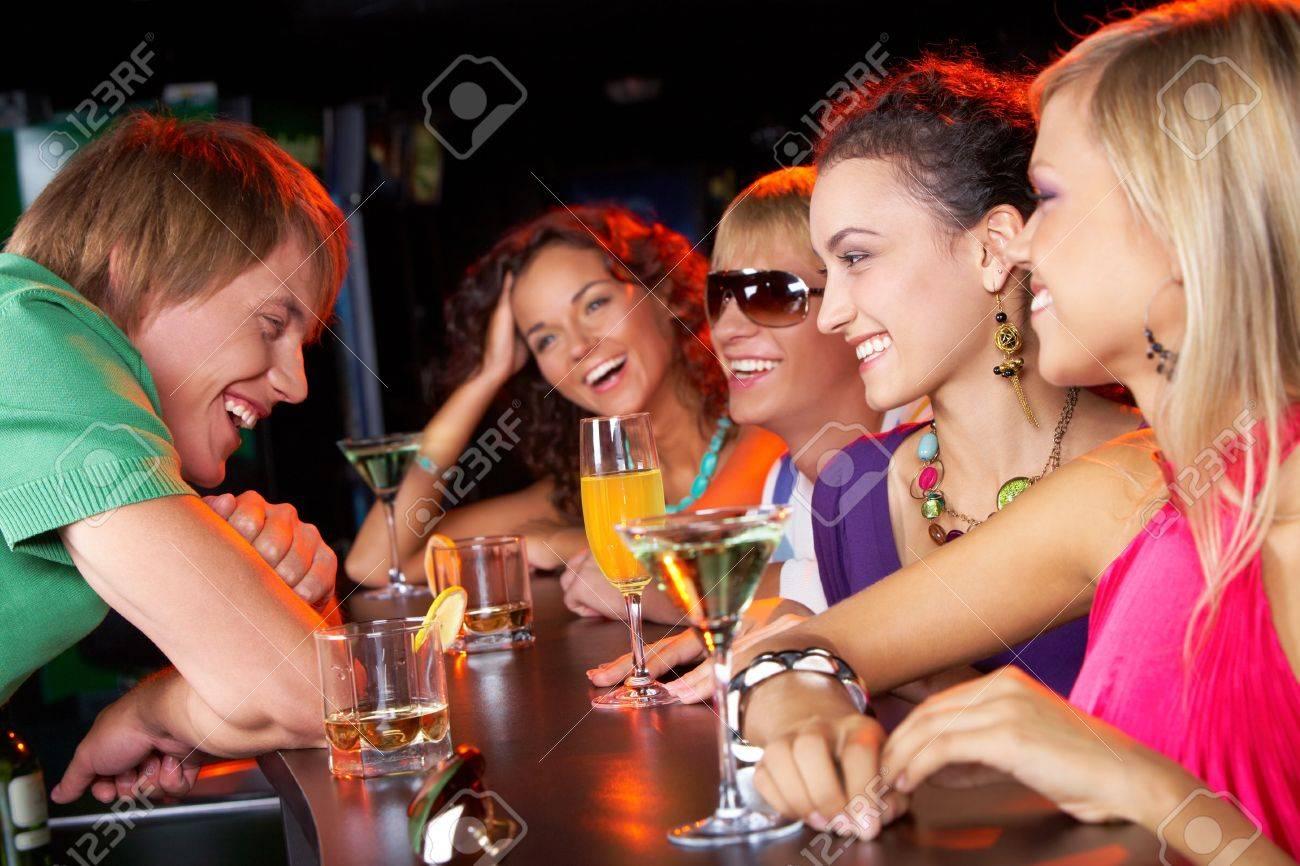 Снял девушку в баре 18 фотография