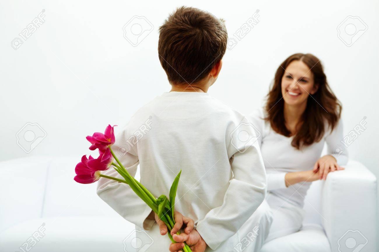 Дарят ли на свадьбу цветы: какие и 68