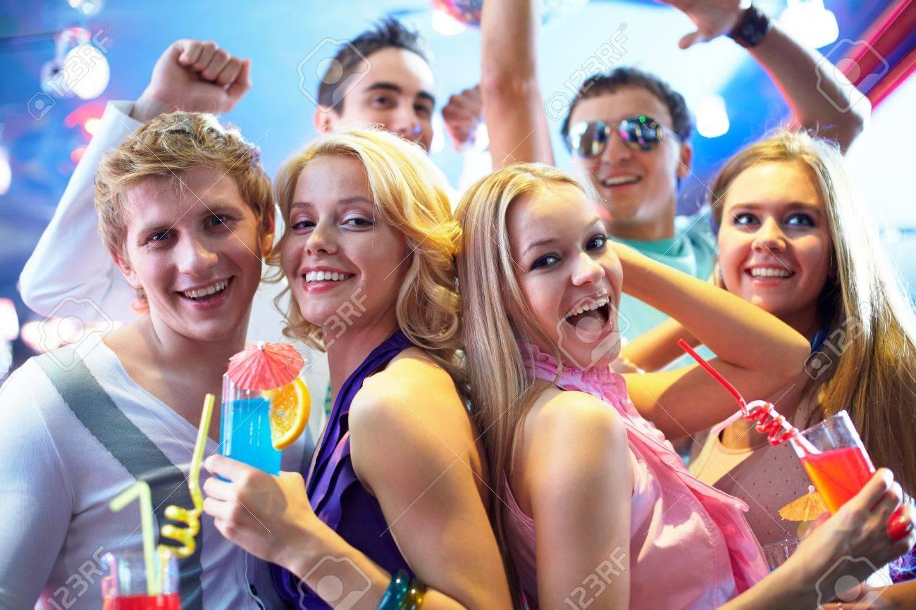 Najsexi klipy a Nahé Shower girls XXX videá, ktoré chceš Načítavaj Shower girls Modelka, Sexi, Pornohviezda, Kúpanie, Univerzita zdarma.