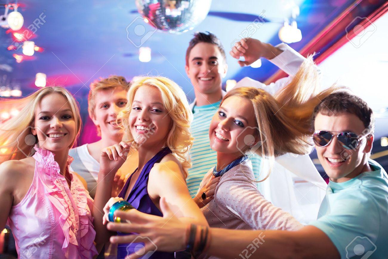 Российские блондинки на вечеринке 15 фотография