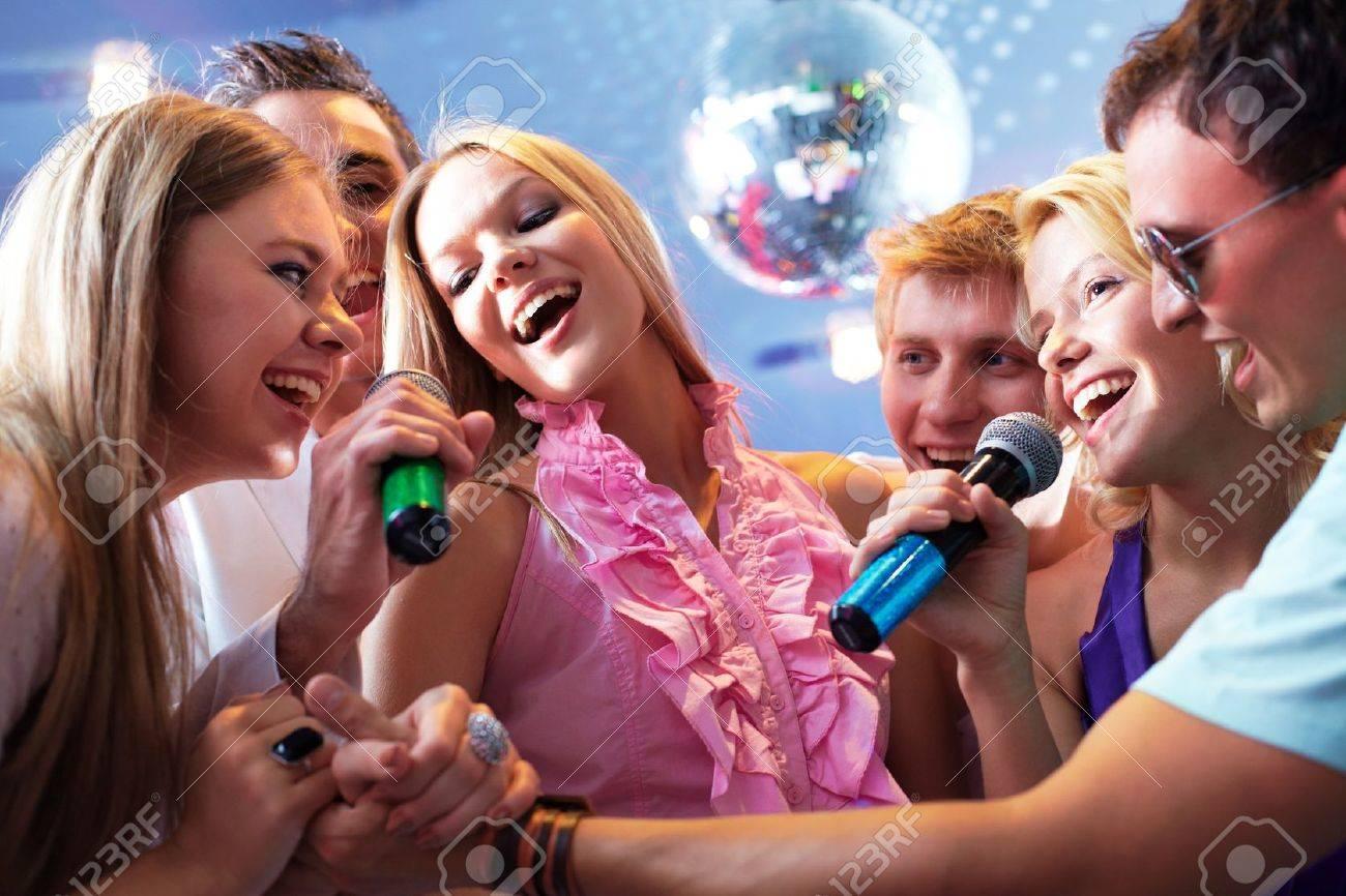 Фото русских девушек на вечеринке 28 фотография
