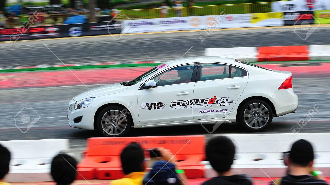 Circuito Singapur : Singapur 12 de junio: coche de seguridad volvo s60 circuito que