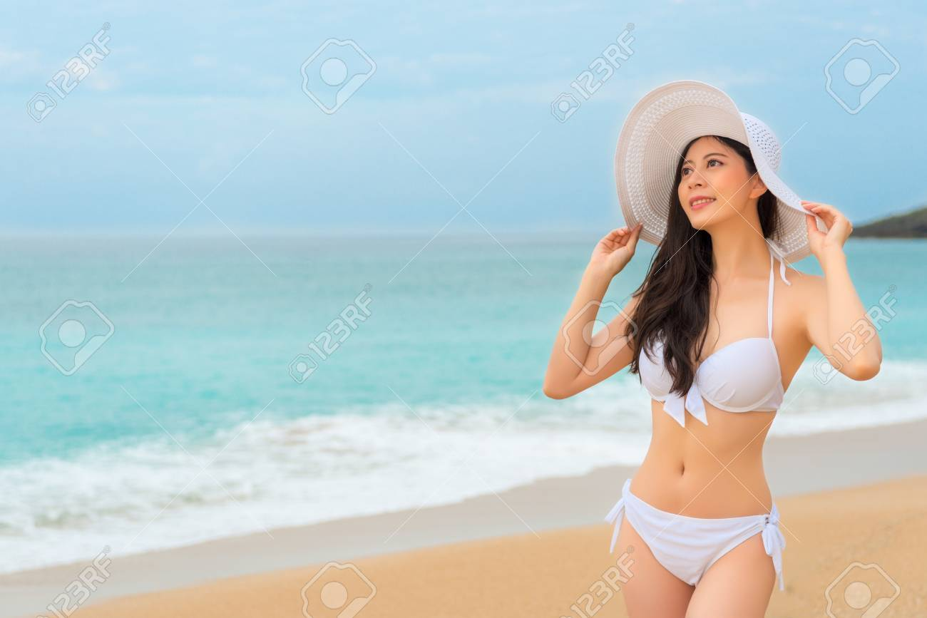 Asian bikini woman, voyeur nude beach