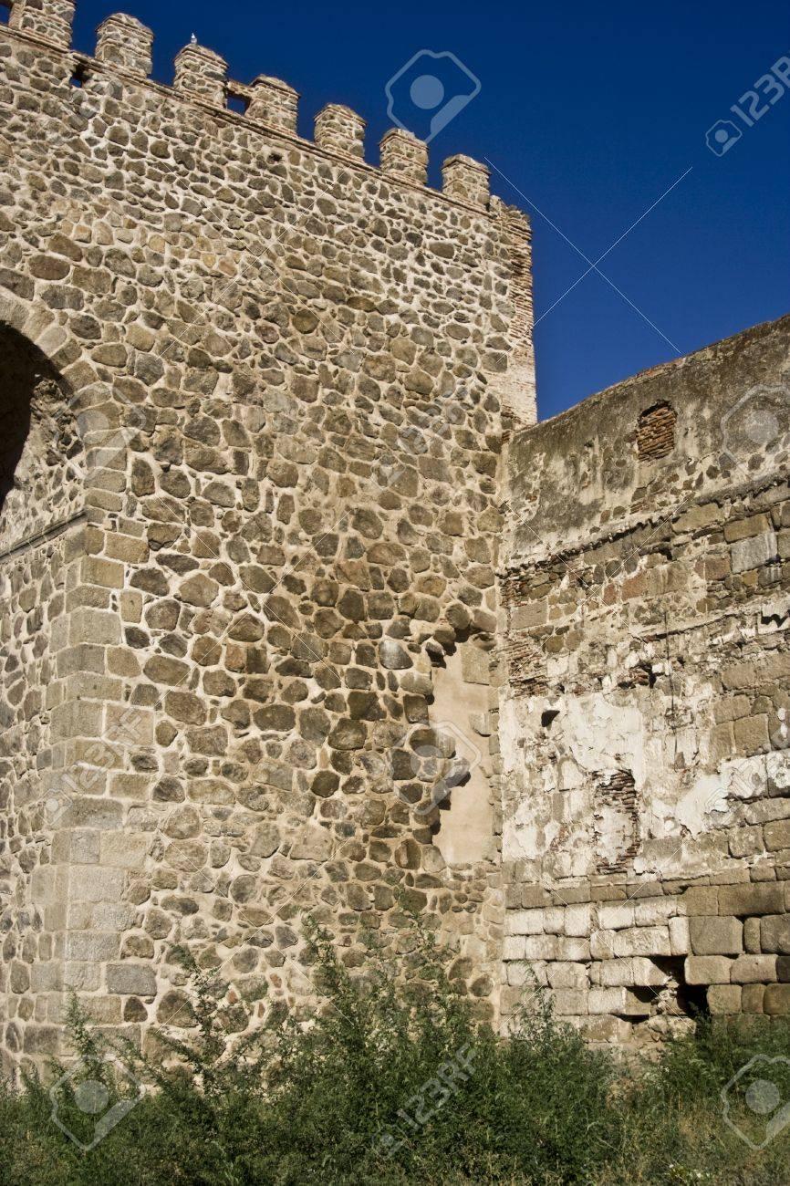 Walled enclosure wall of Talavera, Toledo Stock Photo - 15438826