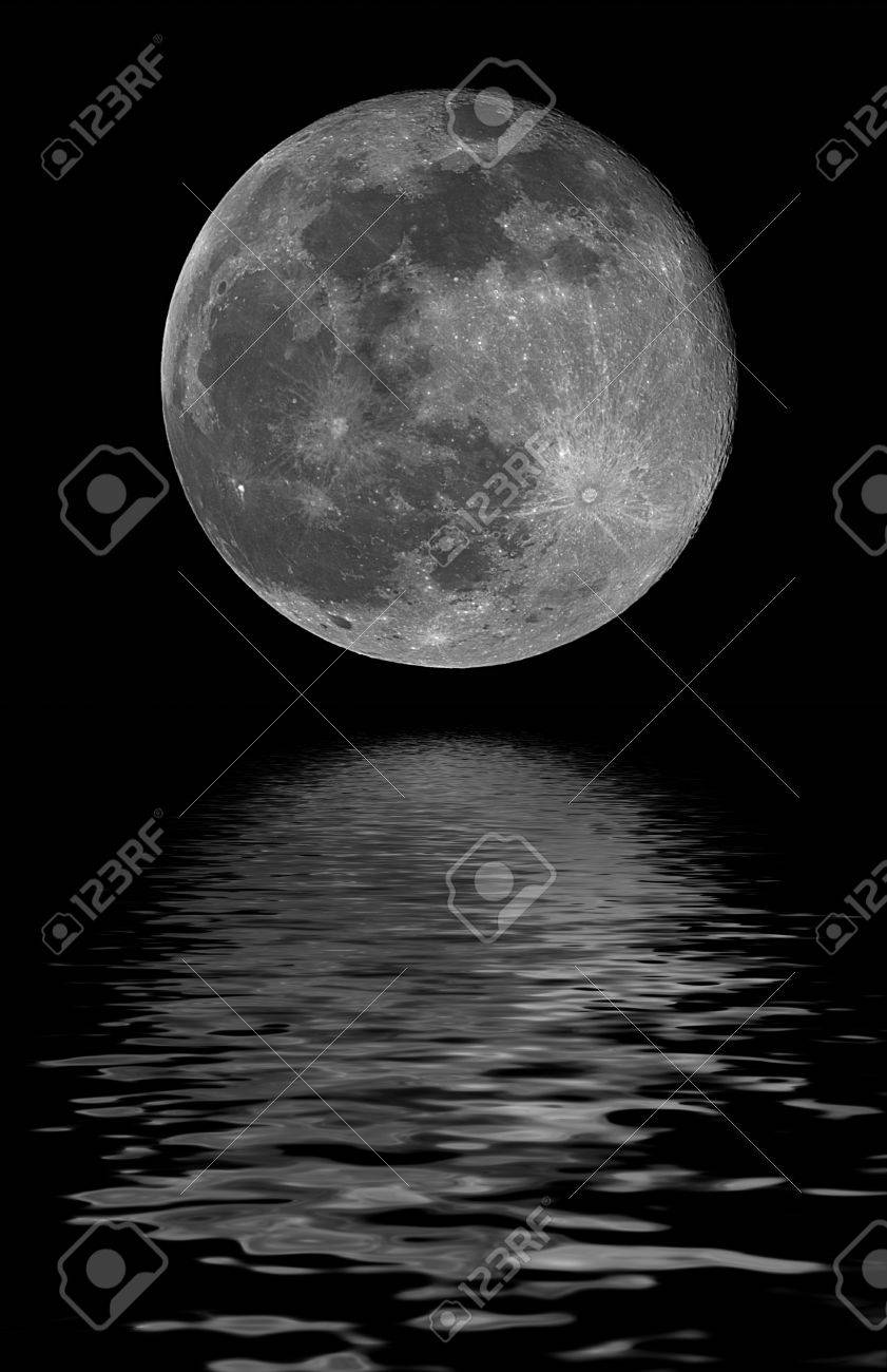 full moon, reflected on water - 31787131