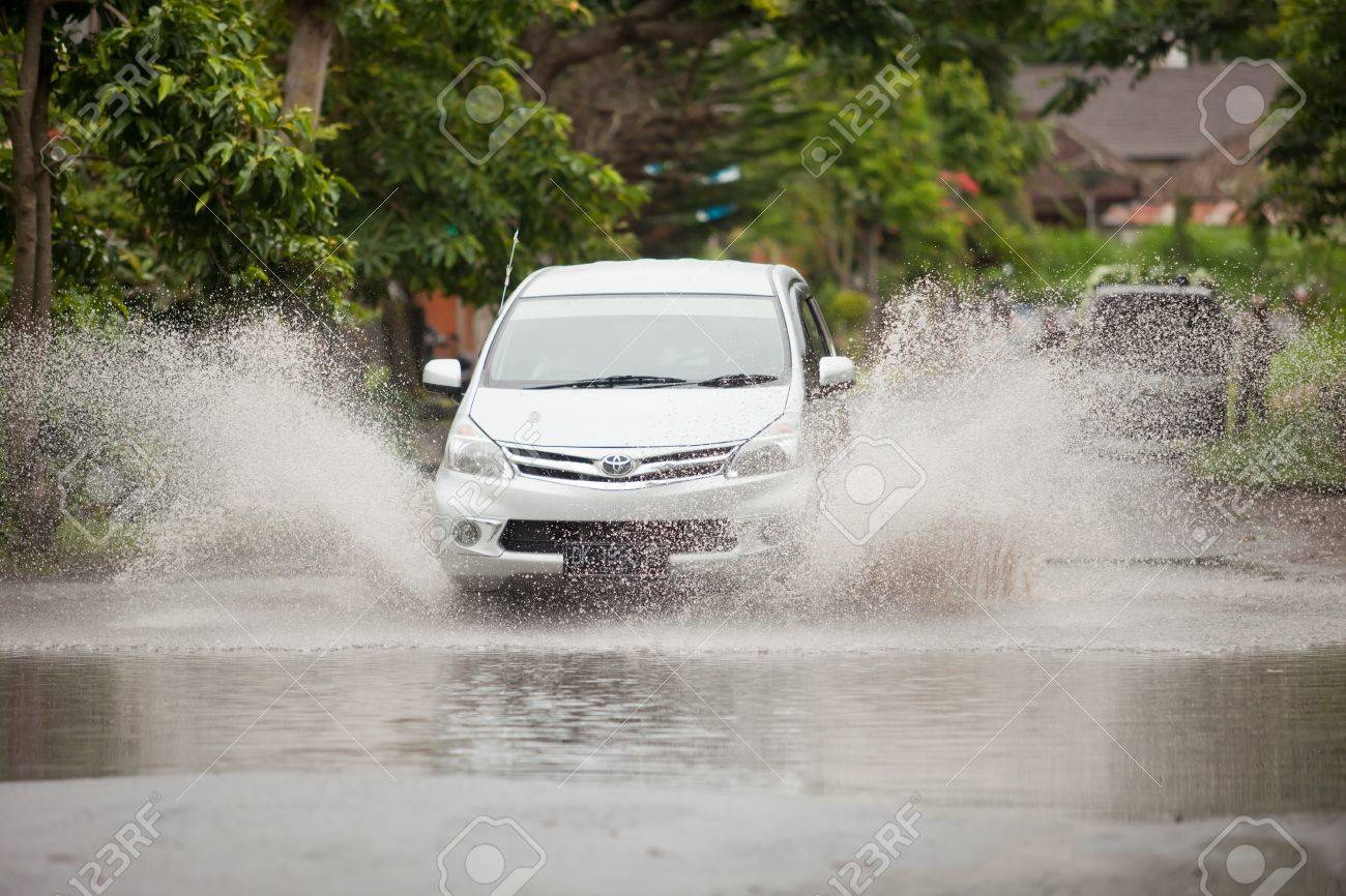 Lake Batur Bali January 21 Car Driving Through Flooded Street