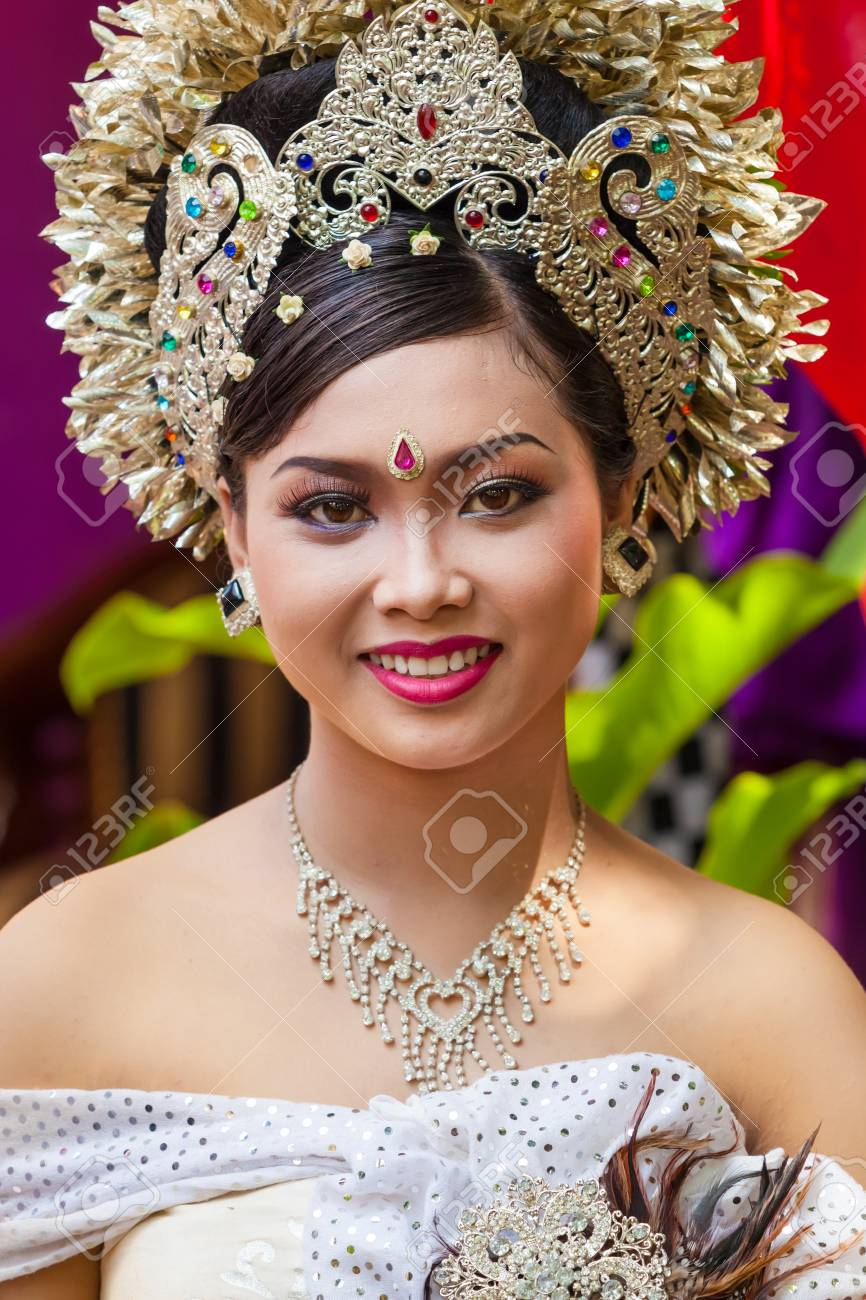BALI - FEBRUARY 11. Woman enacting wedding scene in preparation for religious ceremony on February 11, 2012 in Bali, Indonesia. Most Balinese get married in their early 20s. Stock Photo - 13666226