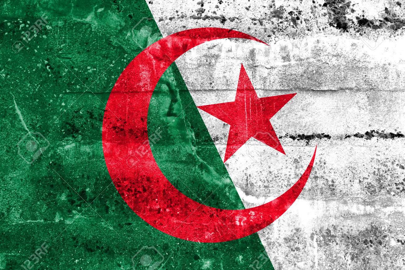 Drapeau Algérie Peinte Sur Le Mur Grunge