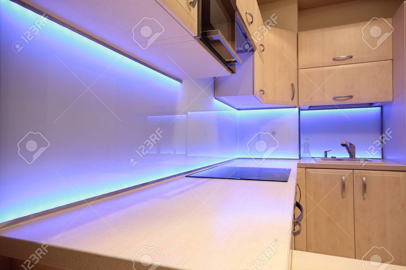 Beautiful Beleuchtung Led Küche Images - Einrichtungs & Wohnideen ...