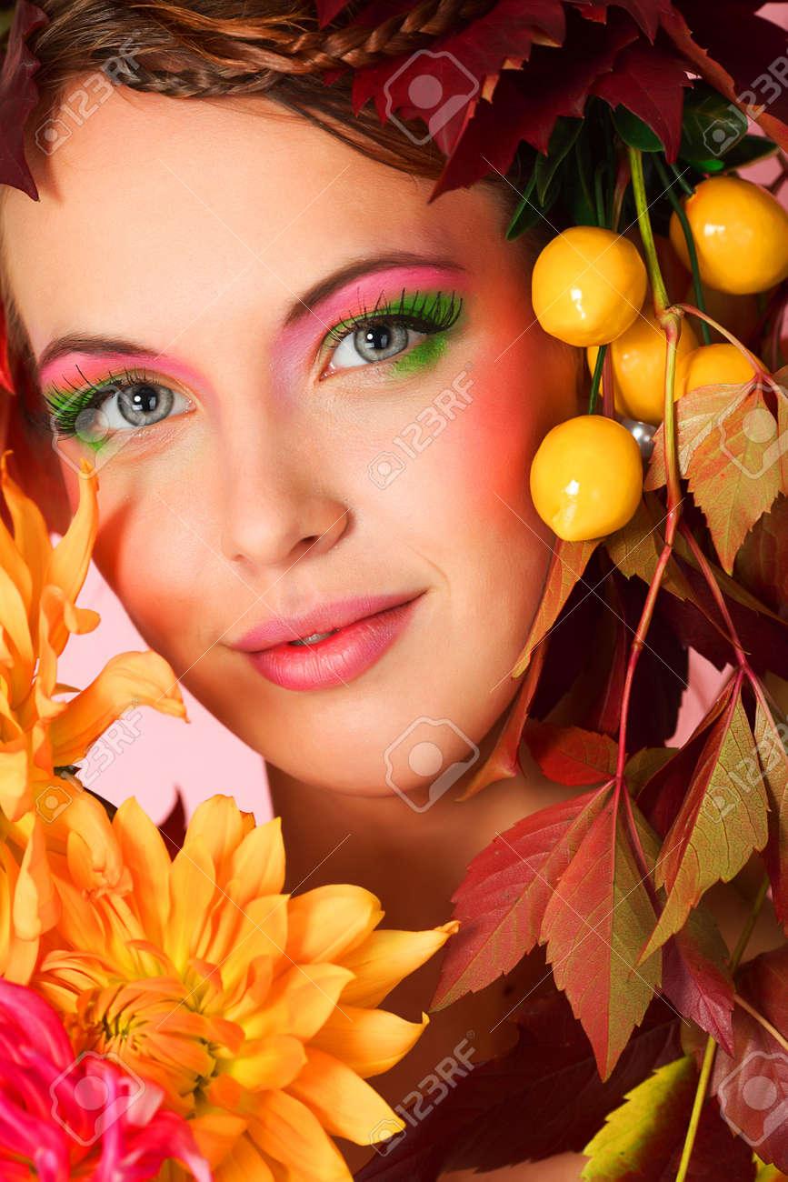 Portrait of a styled professional model. Theme: beauty, autumn fashion Stock Photo - 5684656