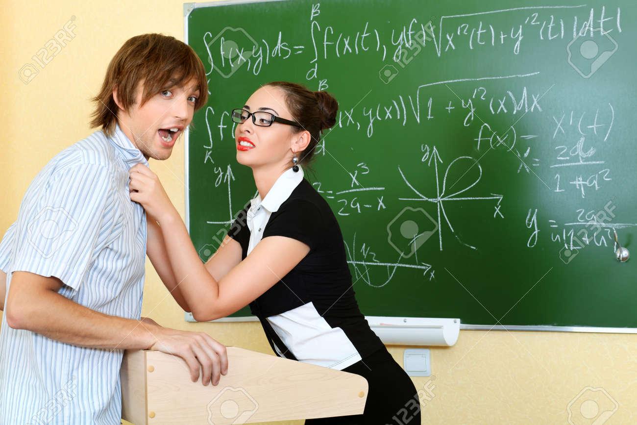 Секс молодой русской учительницы с учеником смотреть бесплатно, Зрелая русская учительница занимается сексом 20 фотография