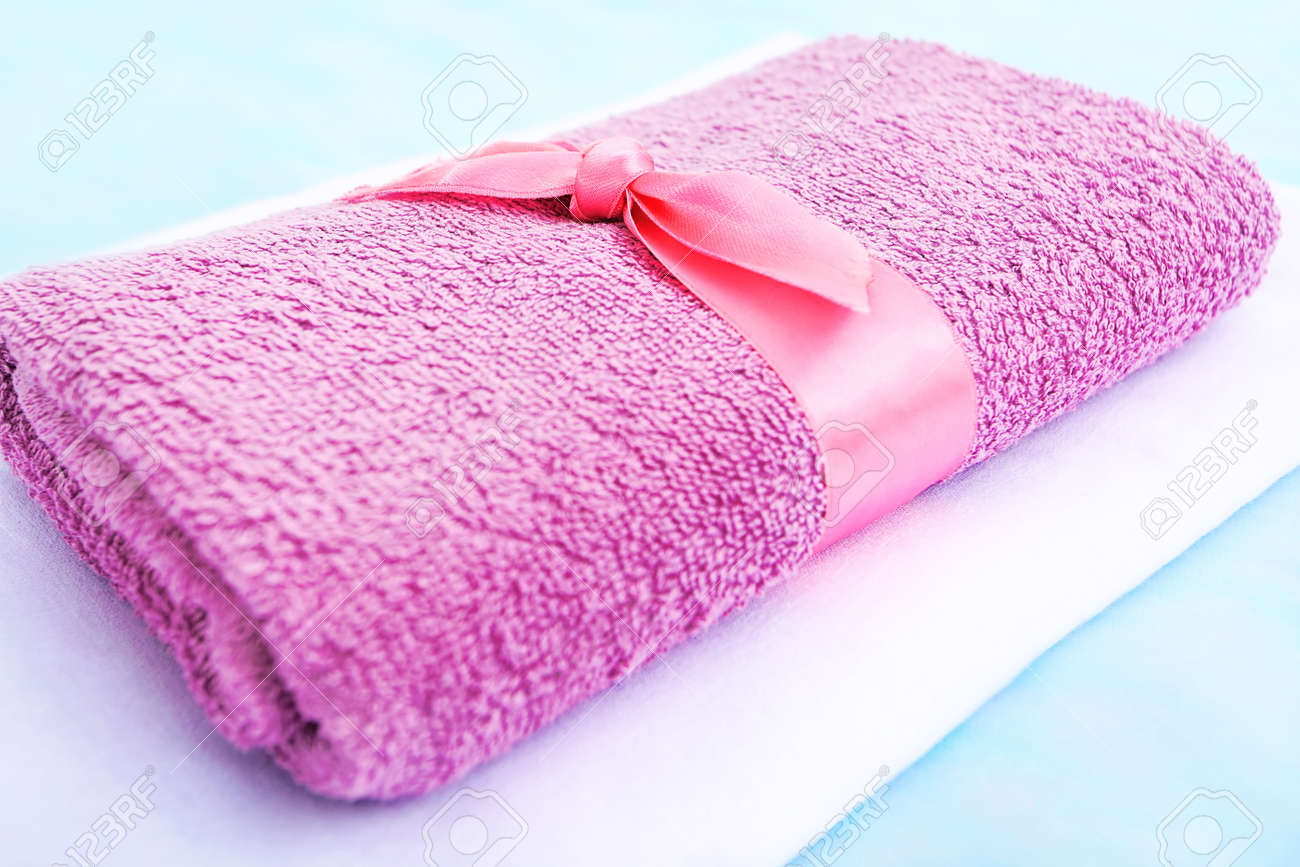 Towels on a table at spa salon. Stock Photo - 9185619