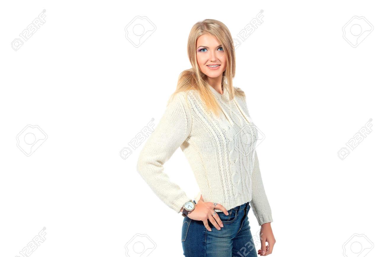 Warme Trui.Portret Van Een Mooie Blonde Meisje In Warme Trui Gea Soleerd Op