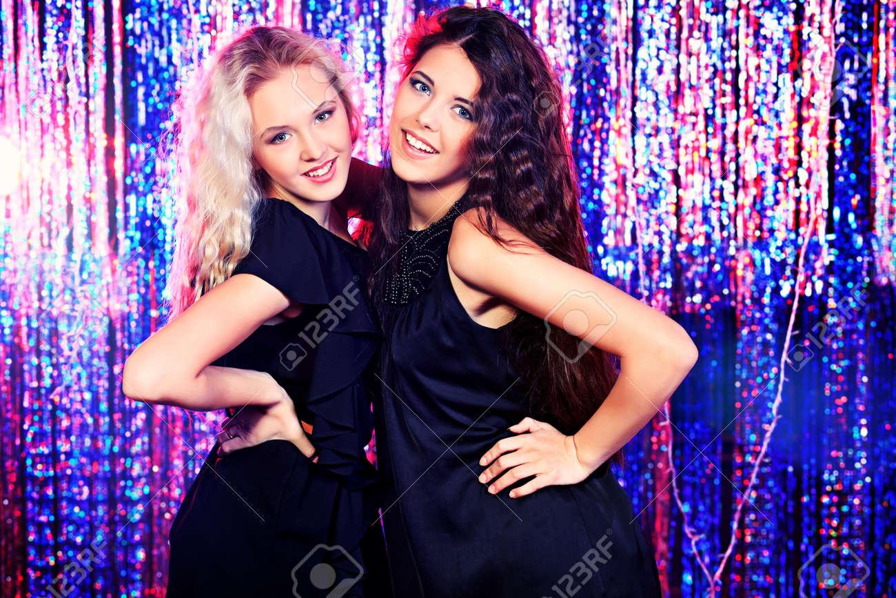 Фото русских девушек на вечеринке 20 фотография