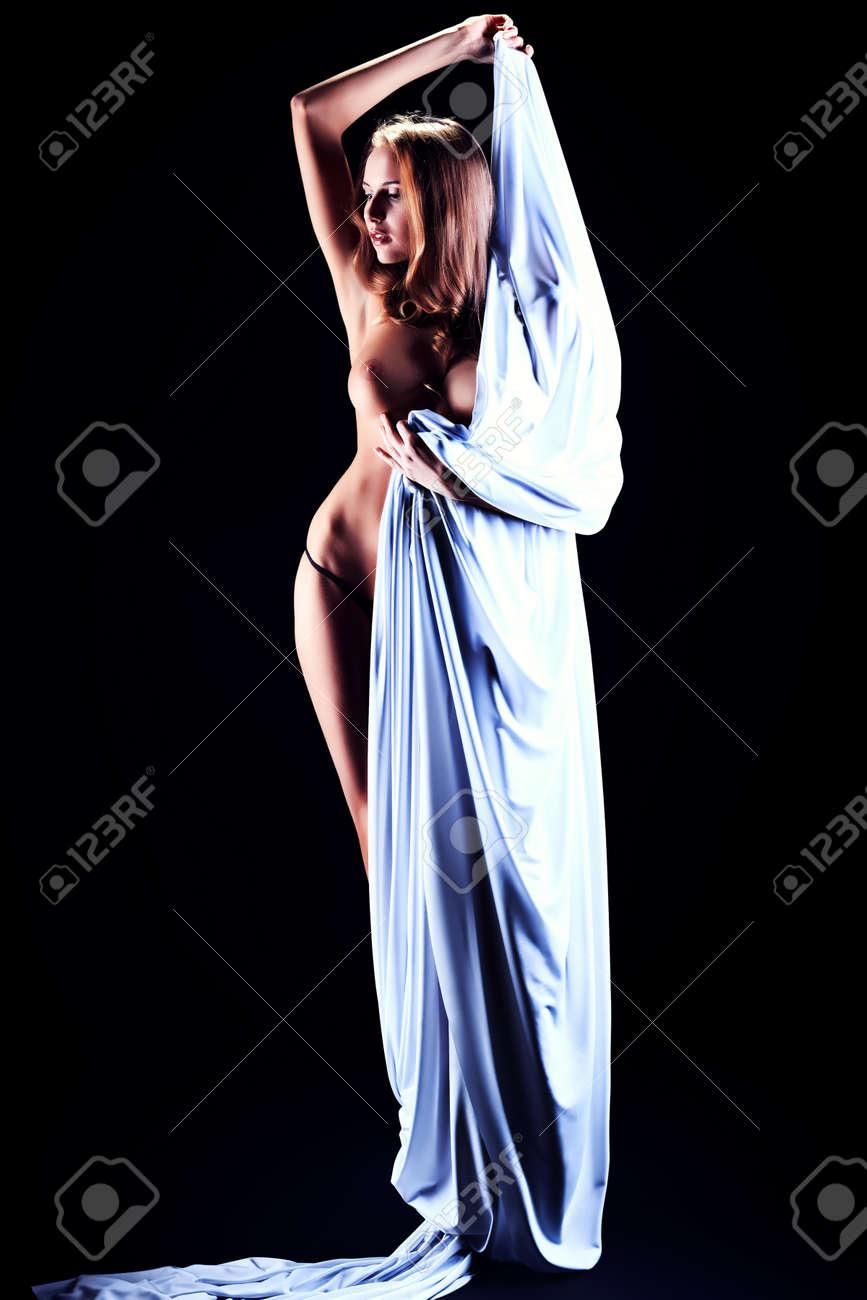 Elastic woman naked — img 3