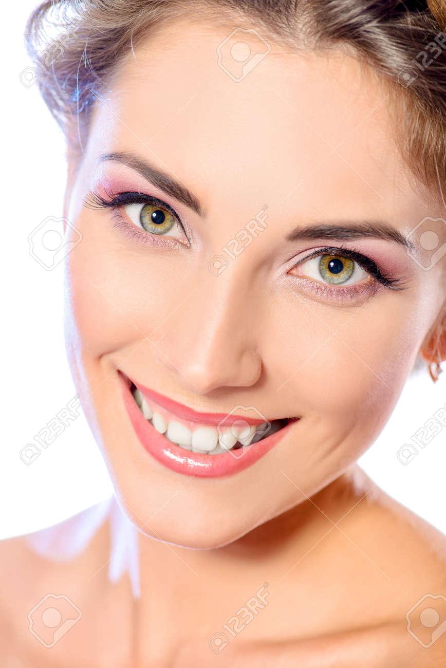 Schönes Weibliches Gesicht Mit Reine Haut Und Natürliches Make Up