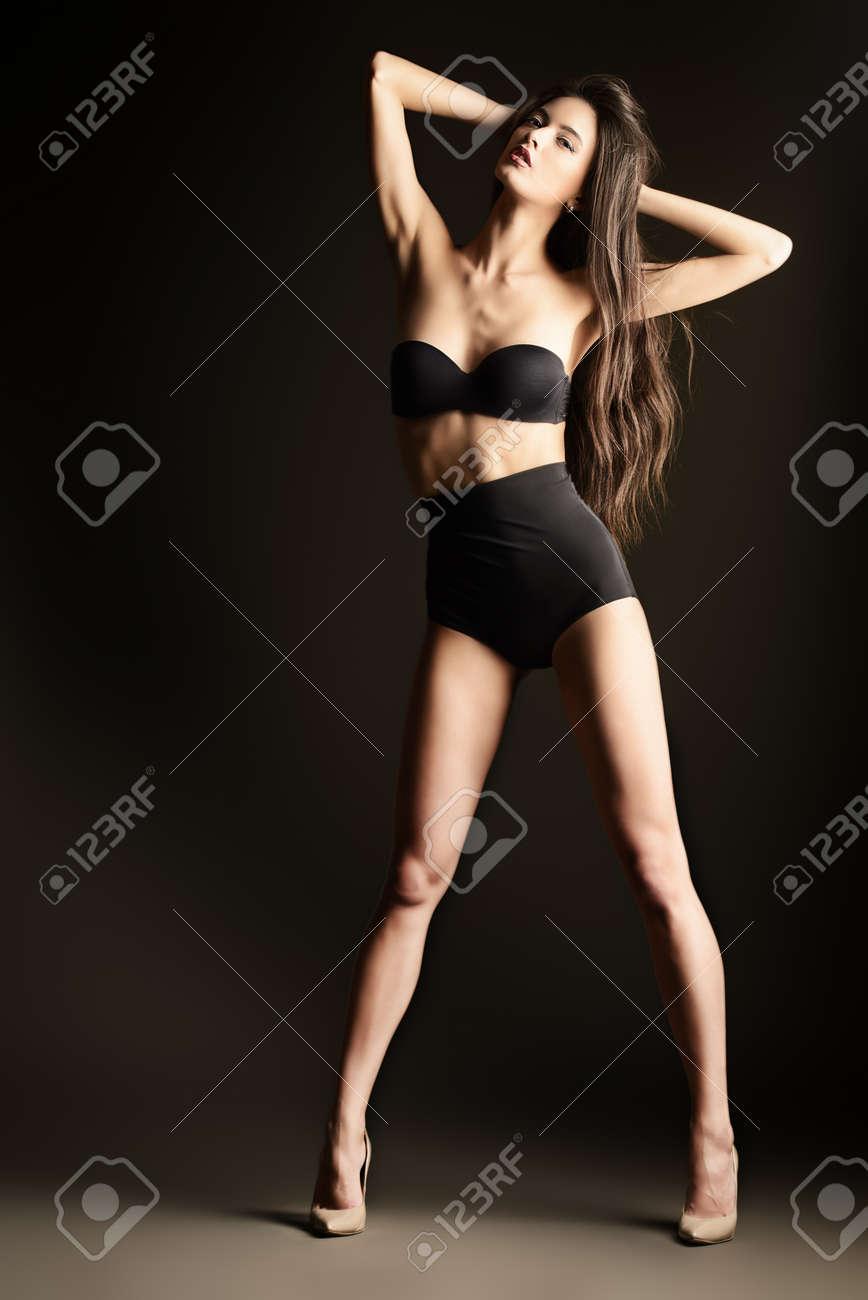 ebenholz-wunderschoene-verfuehrerische-beine-sexy-ebenholz-damen-girl-hardcore-sex