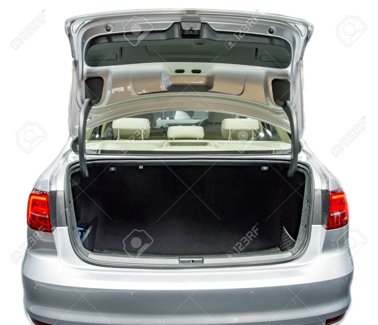 Empty car boot space and with open state. - 56285068