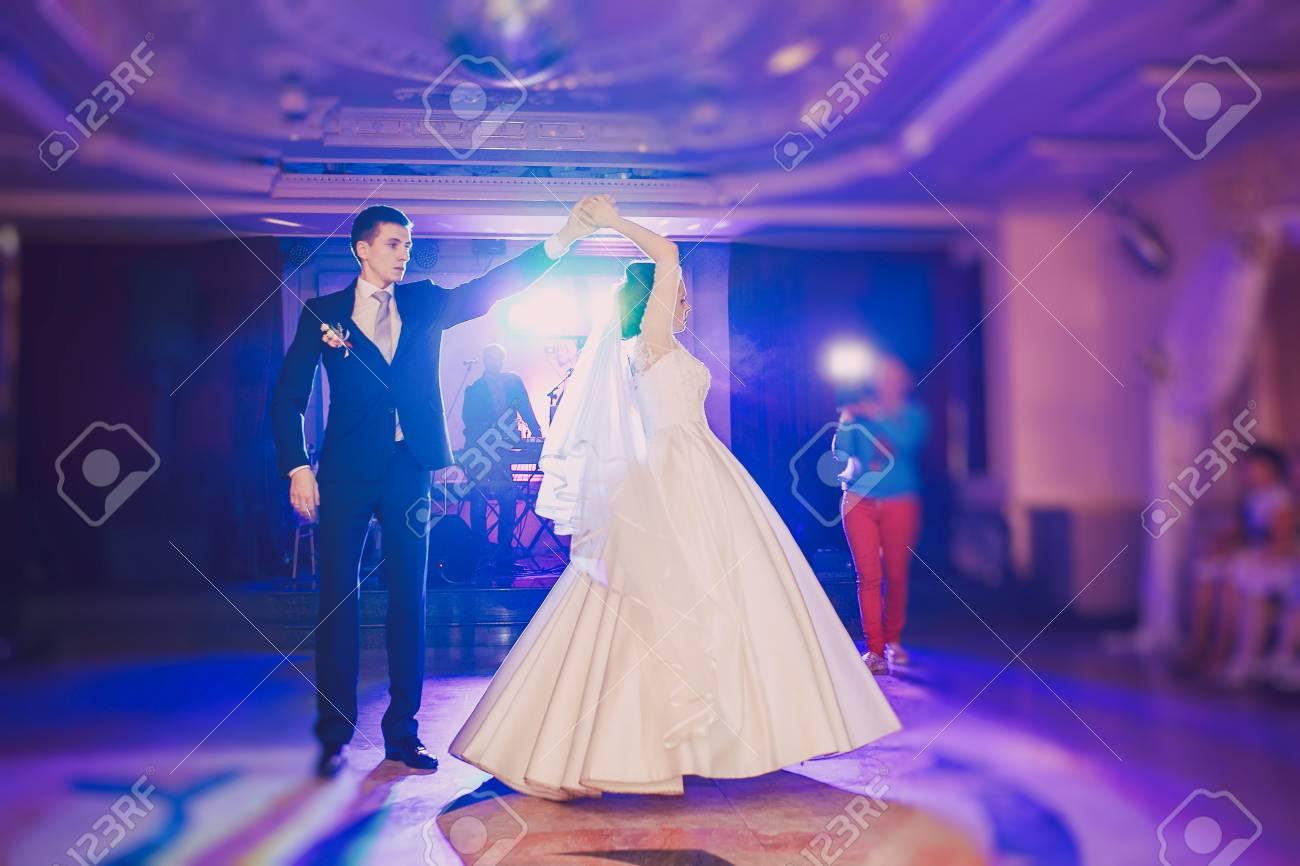 romantic couple dancing on their wedding HD - 43832017