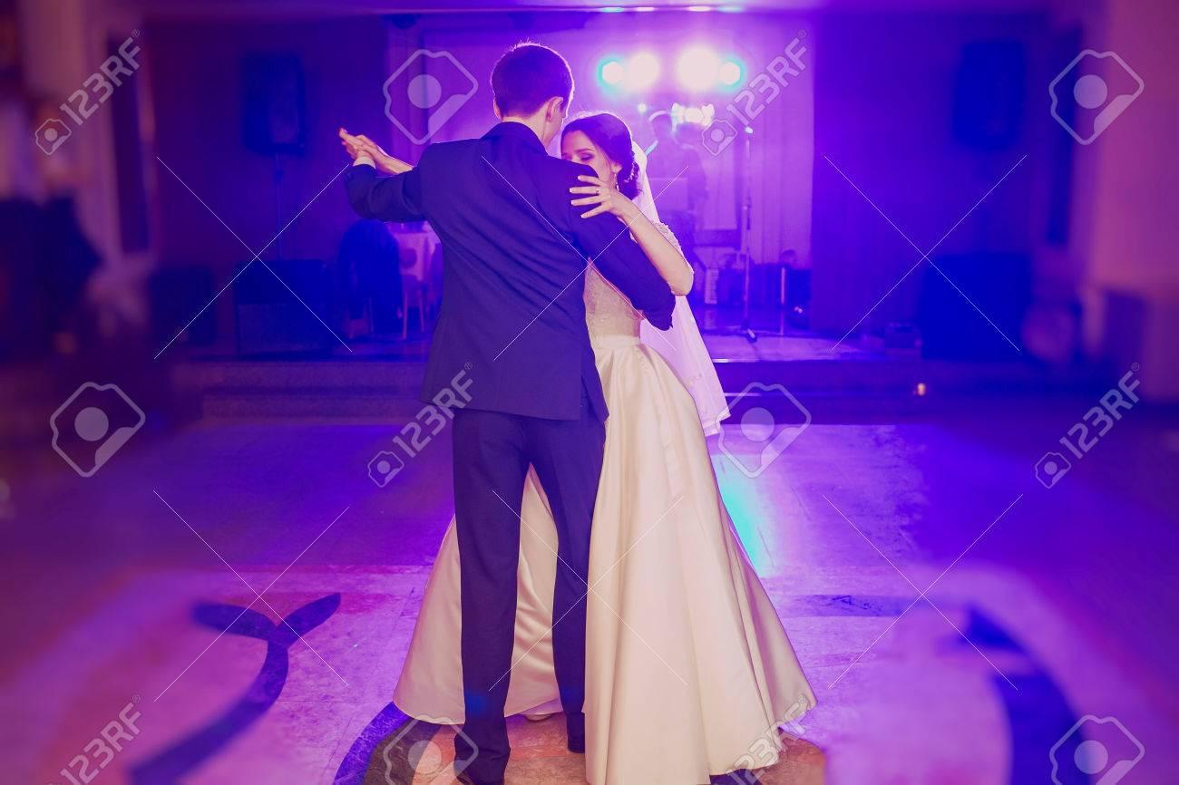 romantic couple dancing on their wedding HD - 44190495