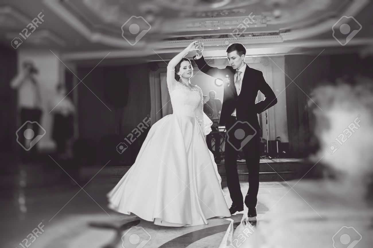 romantic couple dancing on their wedding HD - 45708338