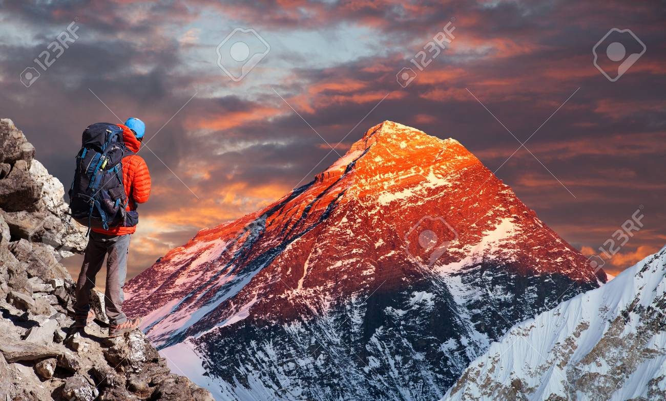 Evening colored view of from Gokyo valley with tourist on the way to Everest base camp, Sagarmatha national park, Khumbu valley, Nepal Himalayas mountains - 115347748