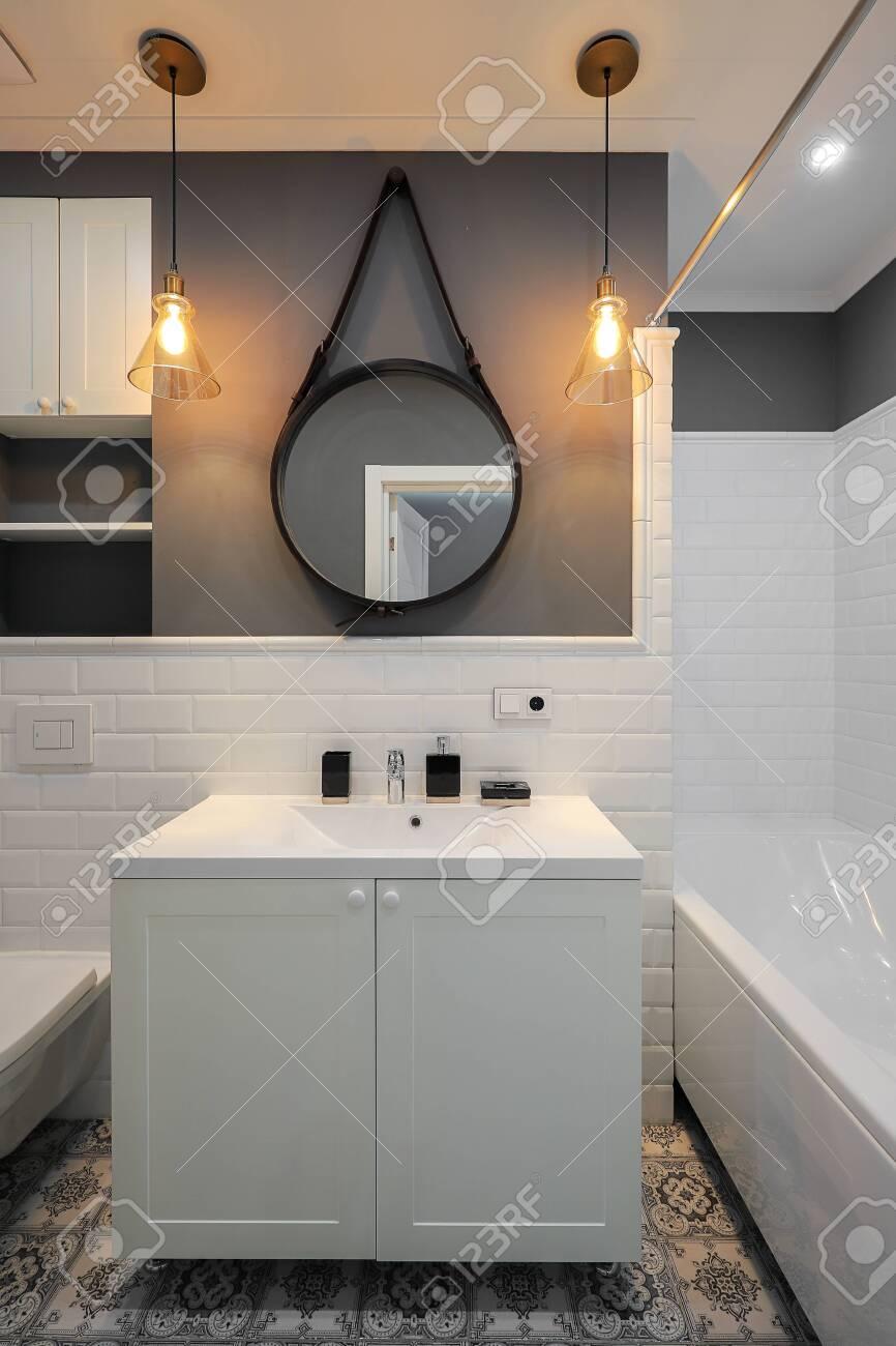 Modern bathroom interior design - 148484792