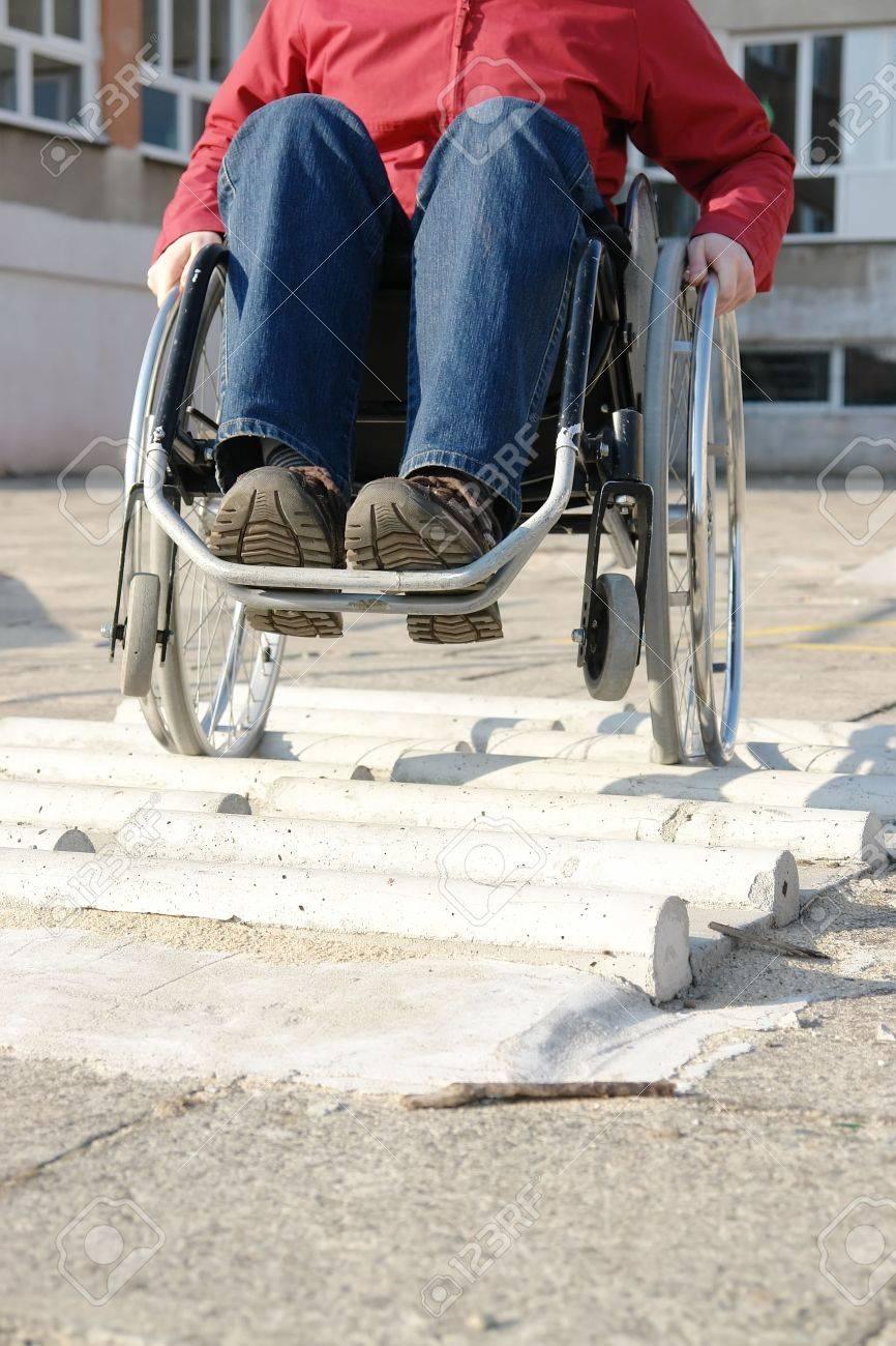 De Carrera Equitación Minusválidos Silla Ruedas Para Los Practicar Closeup Obstáculos Mujer Discapacitados En La VMpqUzGS