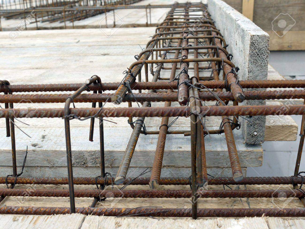 Closeup shot of steel bar reinforcement used for reinforcing concrete slab Stock Photo - 5164134