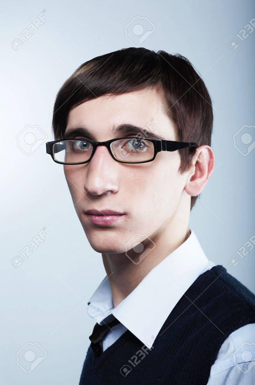 Coupes de cheveux des jeunes hommes