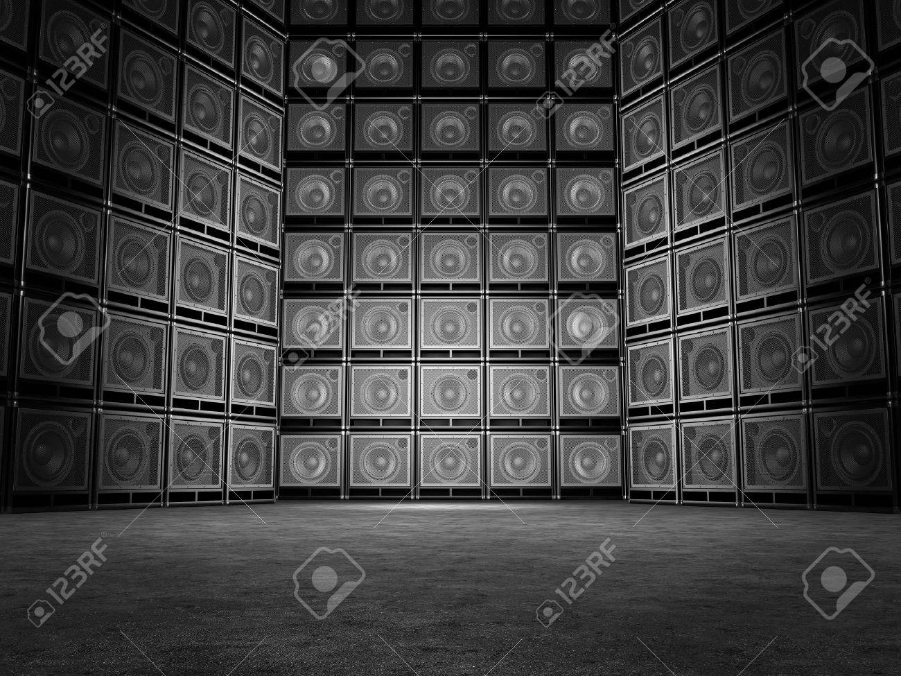 Wall of guitar amps Stock Photo - 19583375