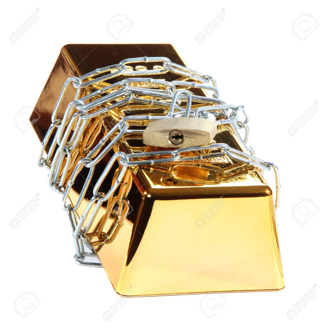 gold bar protected with chain and padlock Stock Photo - 12691437