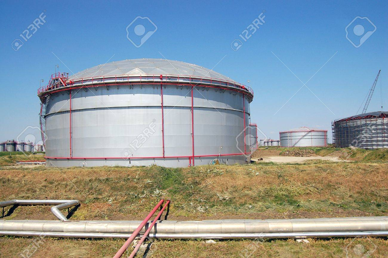 oil tank Stock Photo - 8663041