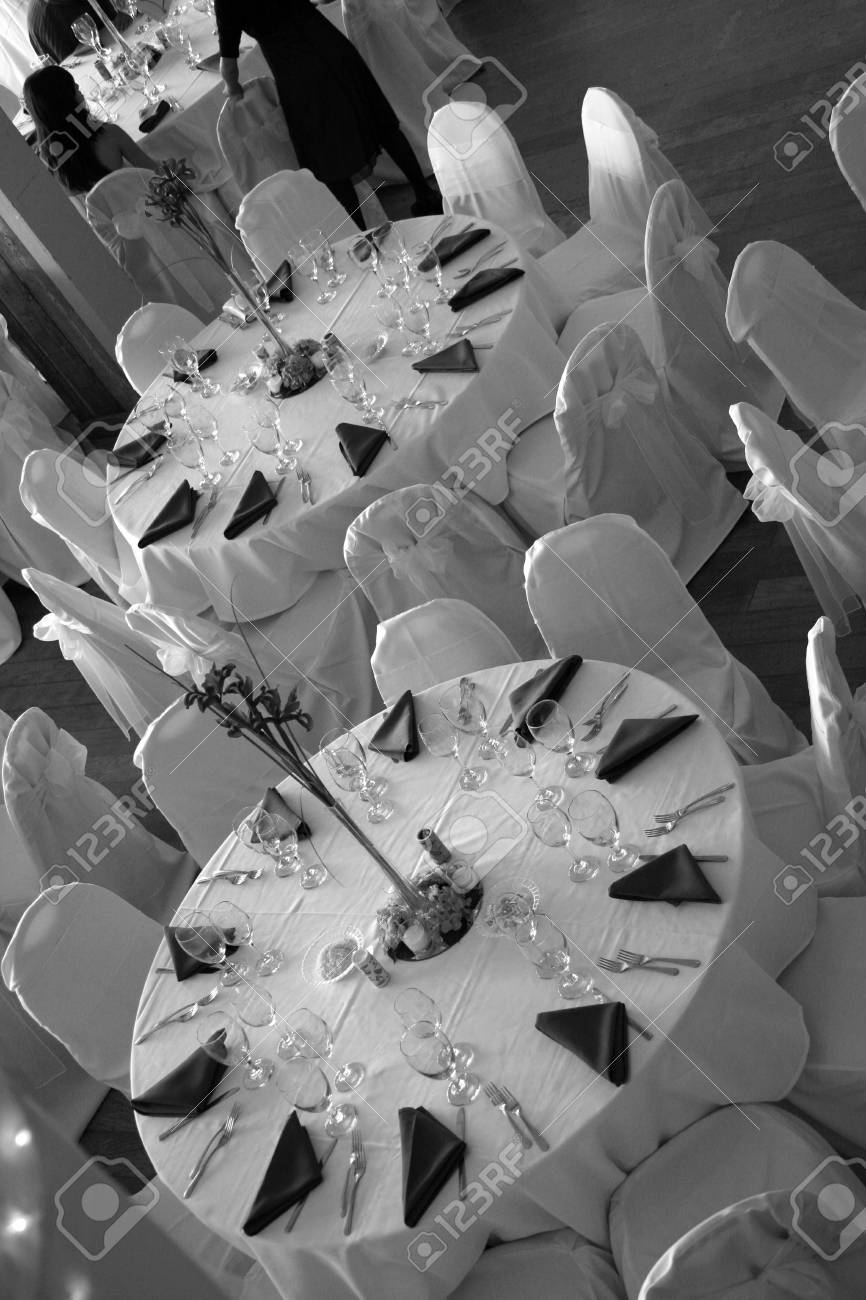 a room set up for a wedding reception - 1686800