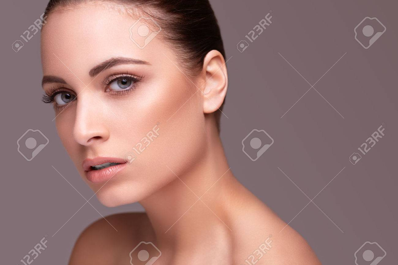 Beauty shot. Beautiful woman with healthy skin Stock Photo - 45743454