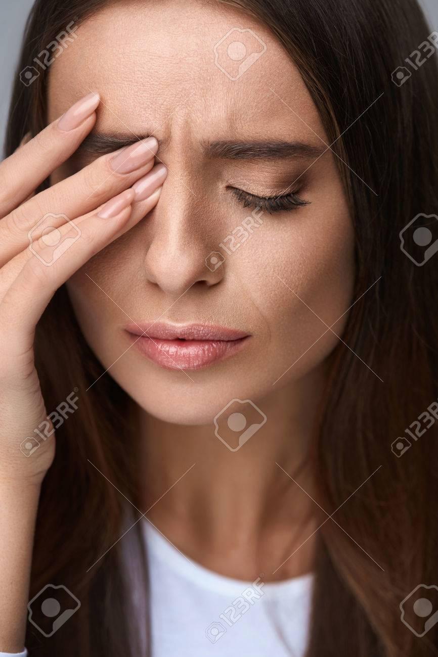 ストレス 目 が 痛い