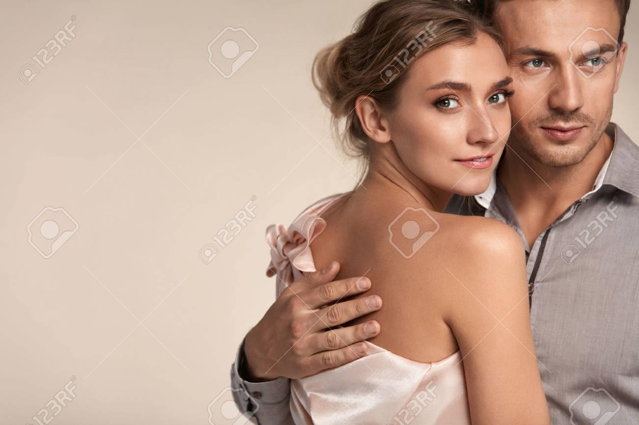 Homme femme fait amour romantique [PUNIQRANDLINE-(au-dating-names.txt) 44
